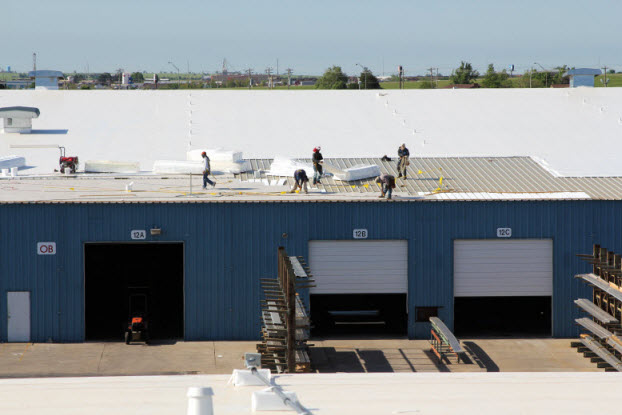 Coryell crews working on a commercial roof