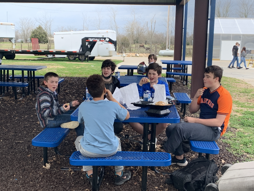 Fruitvale ISD Students Eating Hot Meal | Coryell Roofing